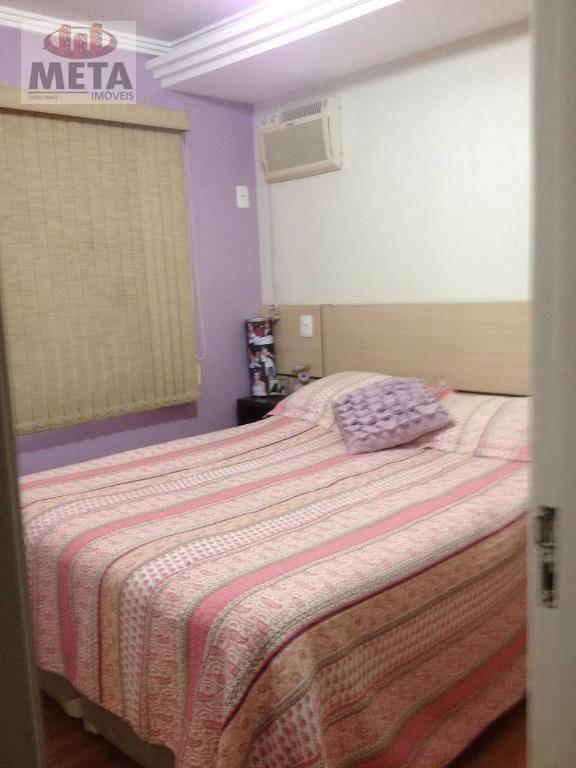 Apartamento com 3 Dormitórios à venda, 53 m² por R$ 157.900,00