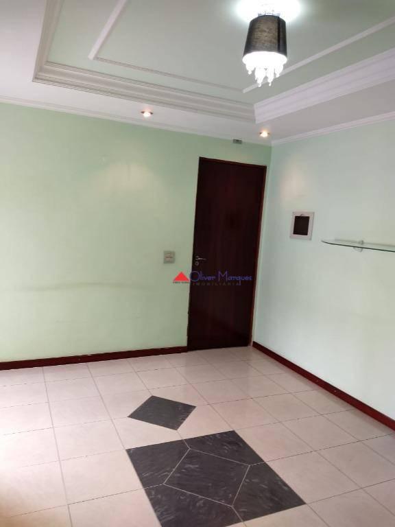 Apartamento com 2 dormitórios para alugar, 50 m² por R$ 650/mês - Carapicuíba - Carapicuíba/SP
