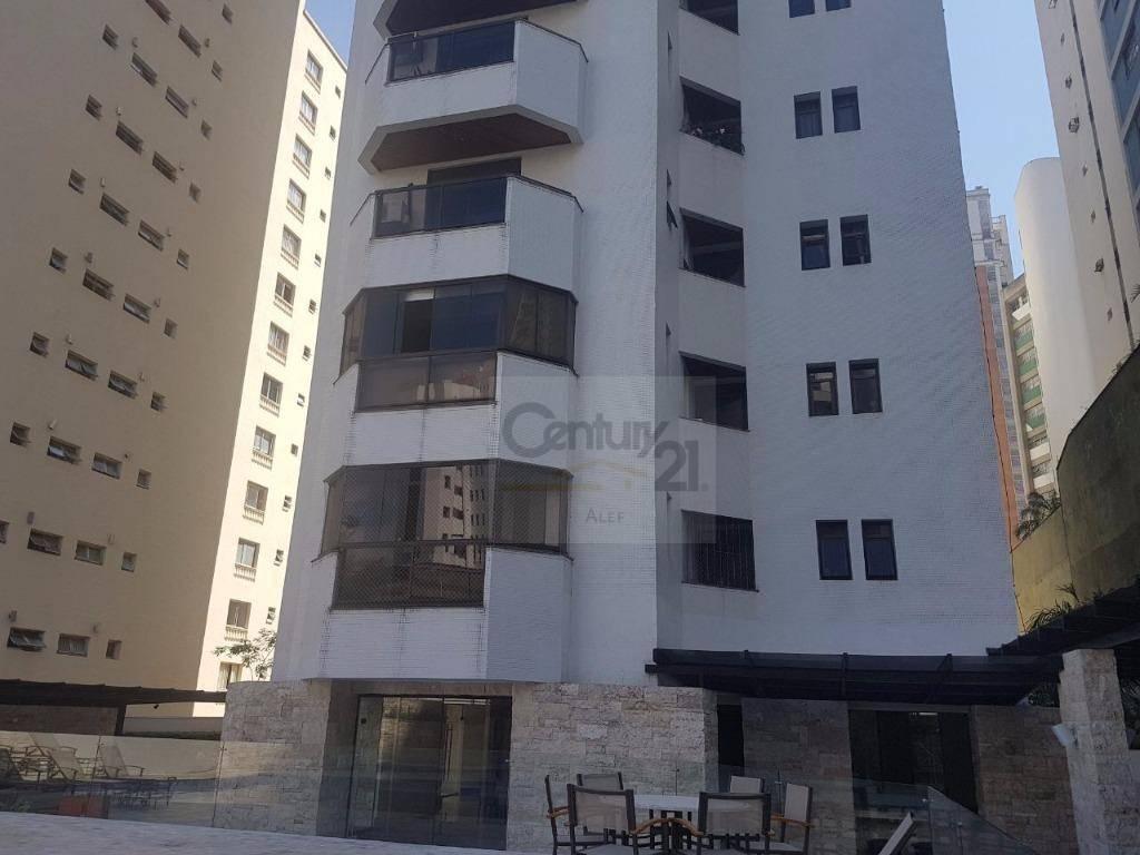excelente apartamento com hall de entrada, sala ampla com piso de tacos de madeira, iluminação embutida...