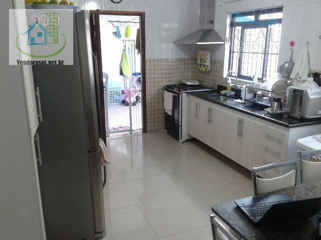 Casa de 3 dormitórios à venda em Vila Romano, São Paulo - SP
