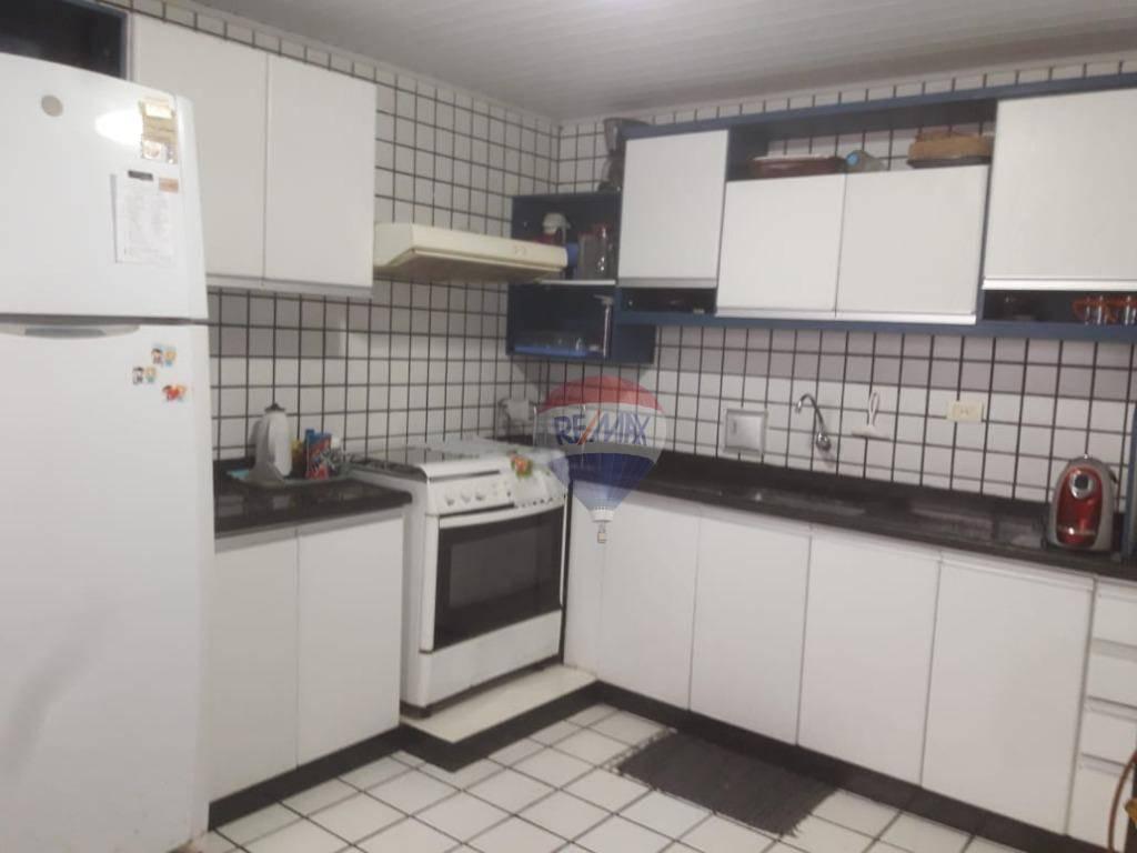 Casa Residencial á venda em Barra de Jangada, 4 quartos (sendo 2 Suítes), 02 Vagas.