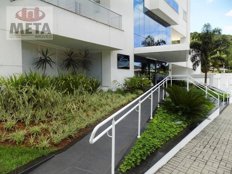 Apartamento com 3 Dormitórios à venda, 178 m² por R$ 965.000,00