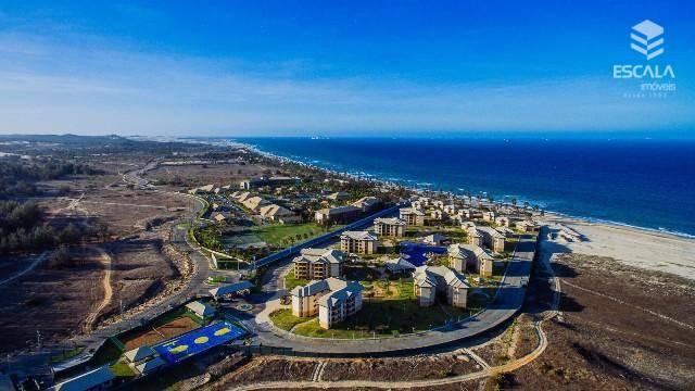 Apartamento à venda à beira mar do Cumbuco. 62,00m2, 2 suítes. Financia.