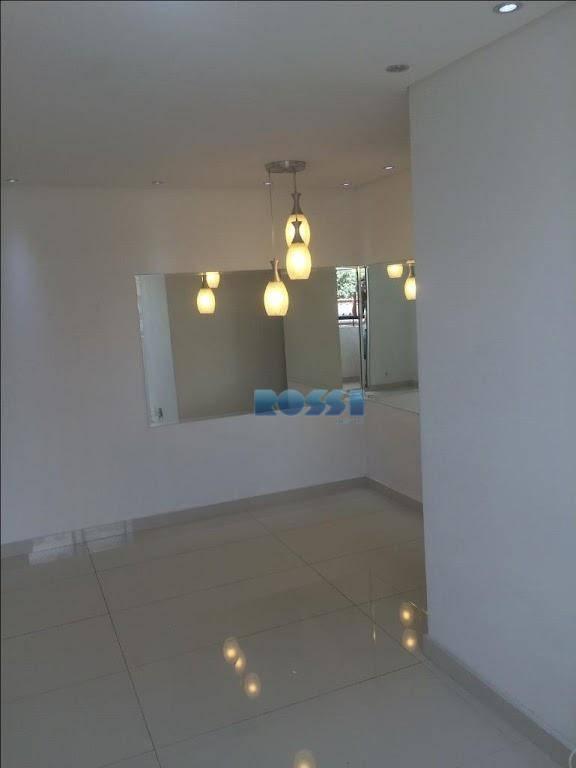 Apartamento com 3 dormitórios à venda, 89 m² por R$ 500.000