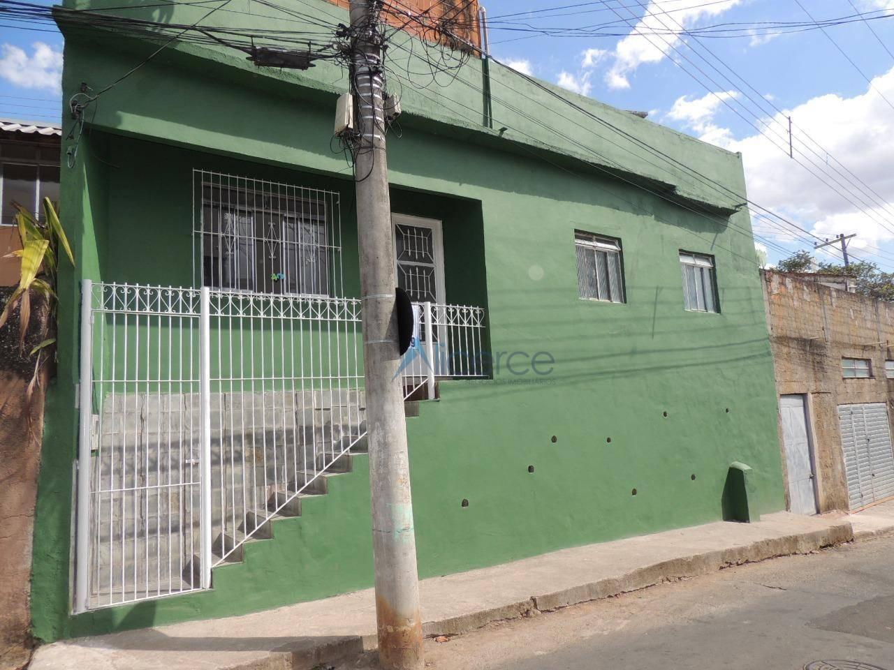 Casa com 2 quartos para alugar, 65 m² por R$ 600/mês - Nossa Senhora Aparecida - Juiz de Fora/MG