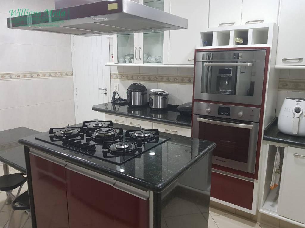Sobrado 3 dormitórios, 5 vagas, Vila Augusta, Guarulhos.