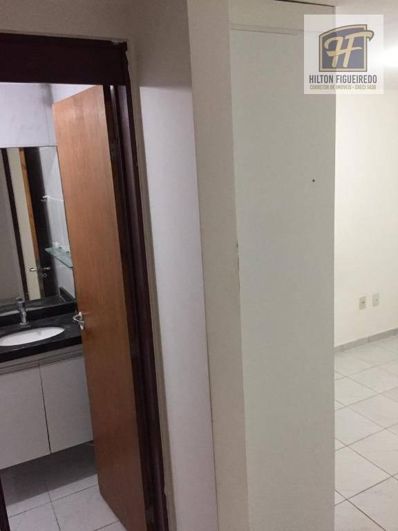 Apartamento com 3 dormitórios para alugar, 73 m² por R$ 2.000/mês - Cabo Branco - João Pessoa/PB