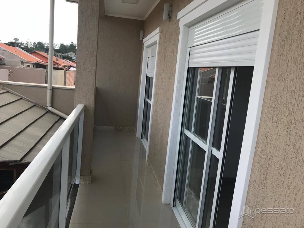 sobrado 3 dormitórios em Gravataí, no bairro Neópolis