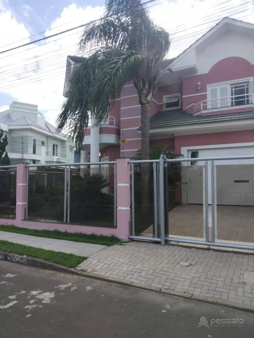 sobrado 3 dormitórios em Cachoeirinha, no bairro Parque Da Matriz