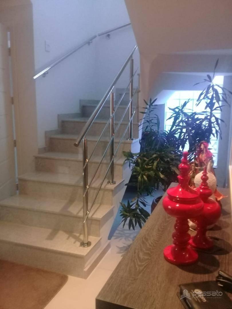 casa 4 dormitórios em Gravataí, no bairro Dom Feliciano