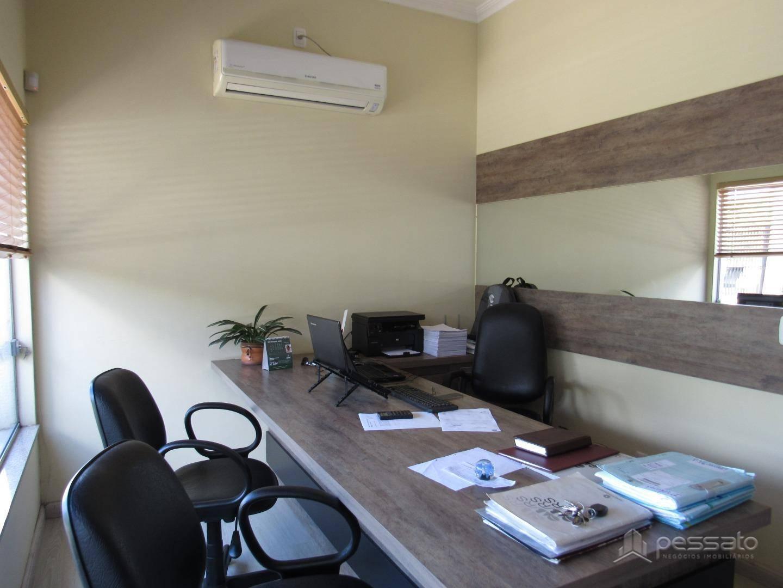 prédio 0 dormitórios em Cachoeirinha, no bairro Parque Da Matriz