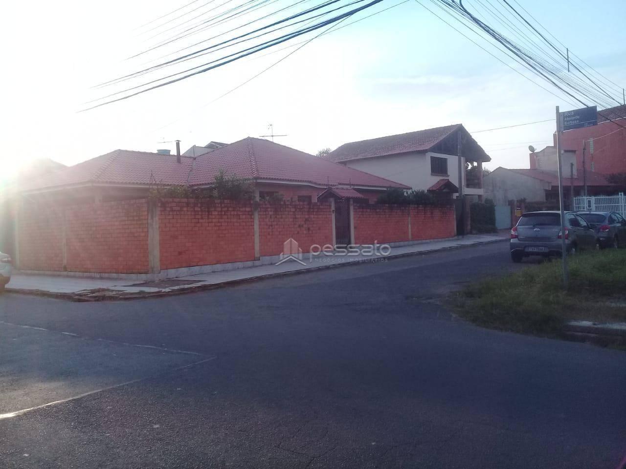 casa 4 dormitórios em Gravataí, no bairro Passo Das Pedras