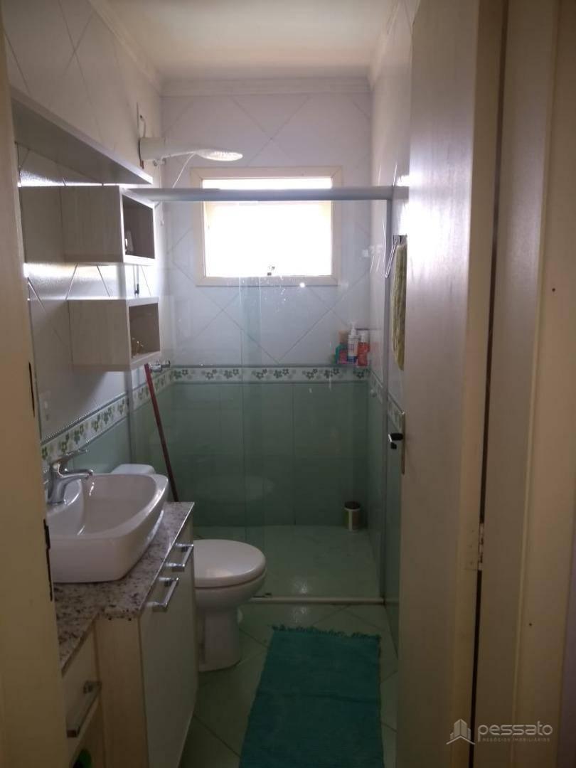 casa 3 dormitórios em Gravataí, no bairro Castelo Branco