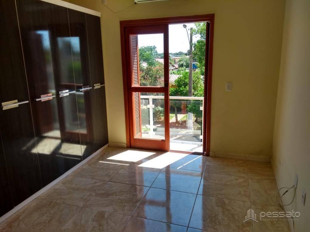 sobrado 2 dormitórios em Gravataí, no bairro Parque Ipiranga