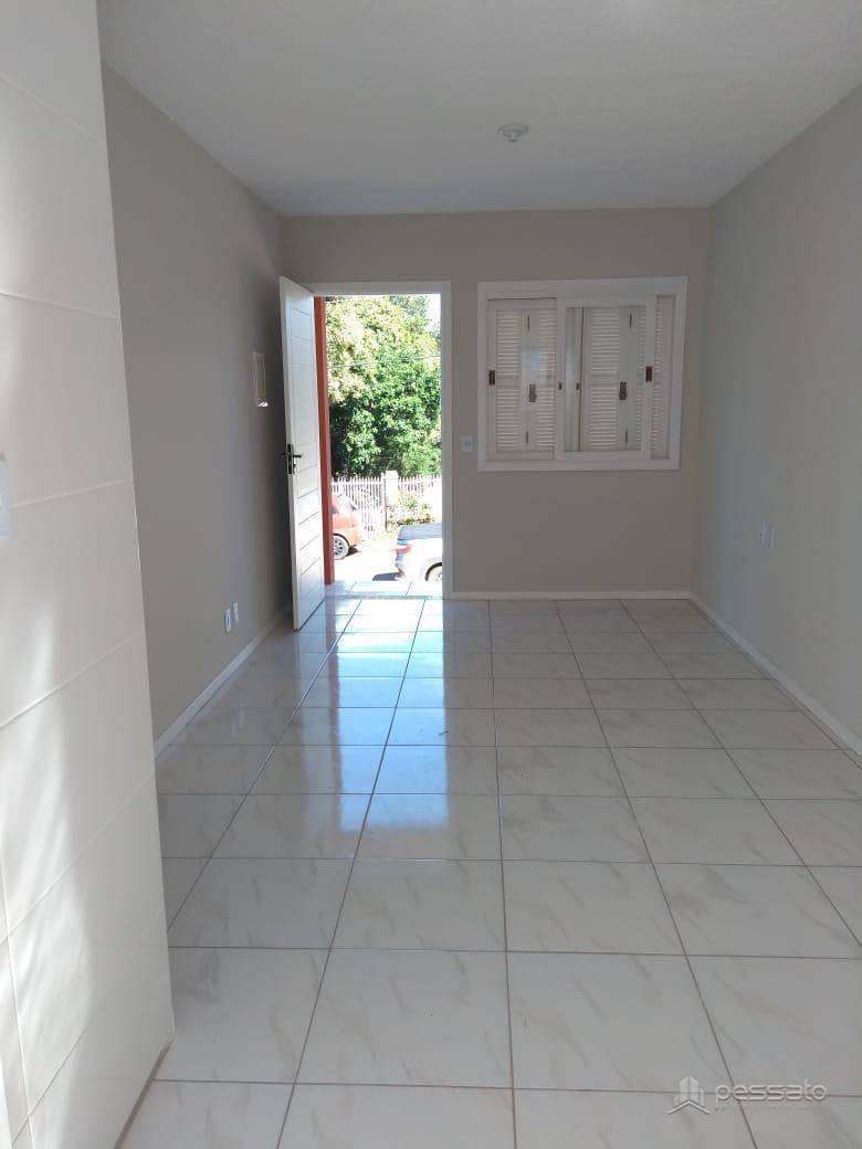 casa 2 dormitórios em Gravataí, no bairro Parque Pioneiro