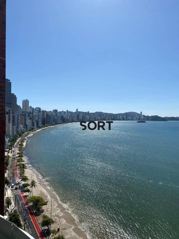 Frente mar, Finamente Mobiliado, Bervely Hills, 3 suítes sendo 1 máster, 3 vagas de garagem privativas, Barra Sul