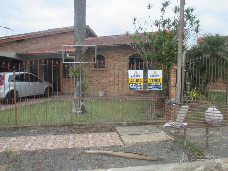 casa 4 dormitórios em Gravataí, no bairro Girassol