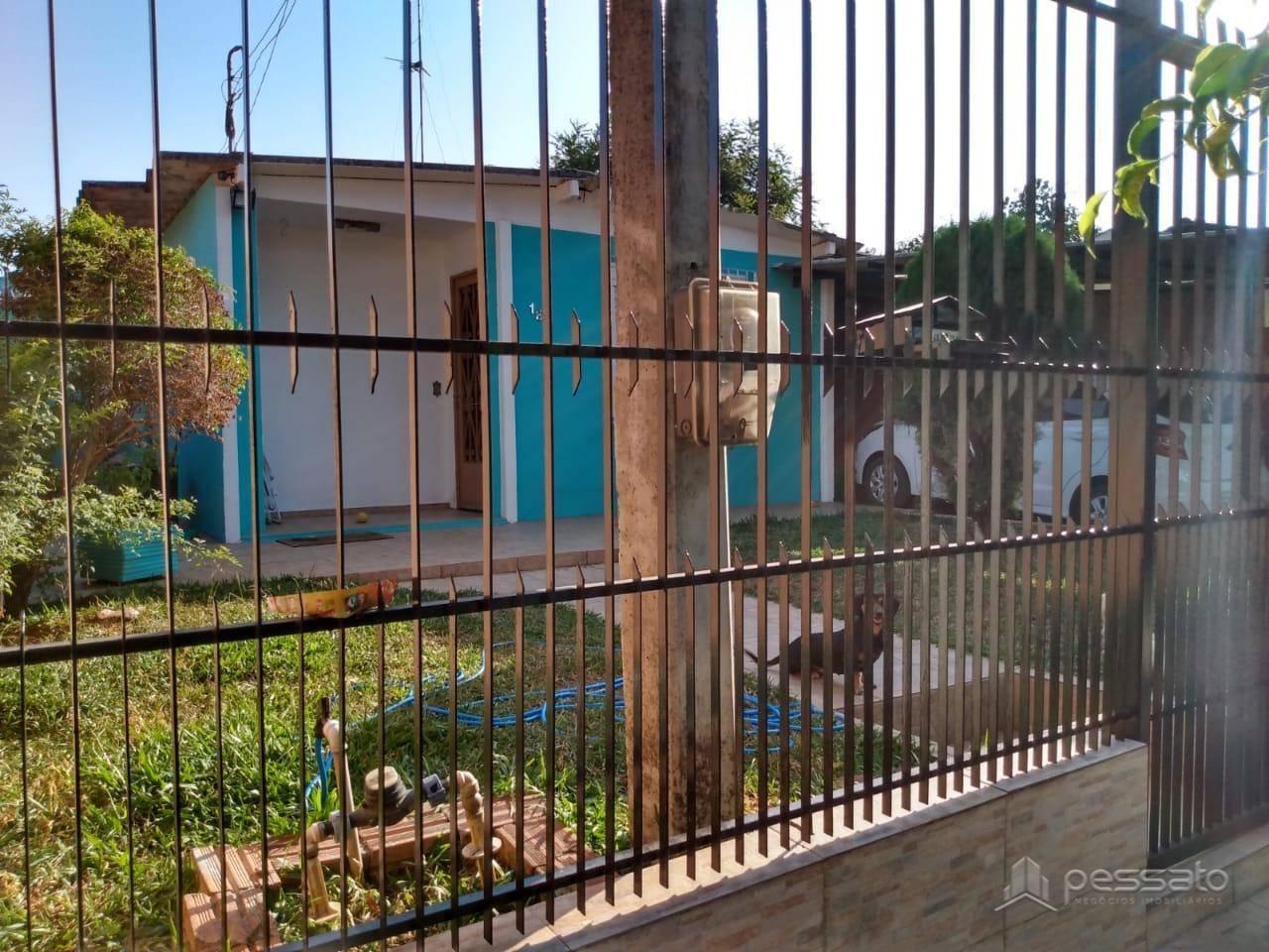 casa 3 dormitórios em Cachoeirinha, no bairro Parque Granja Esperança