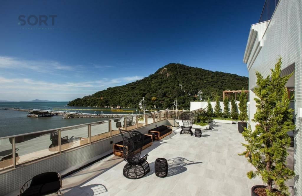 Frente Mar, Baturité Lounge House, 4 suítes, 3 vagas privativas, Barra Sul