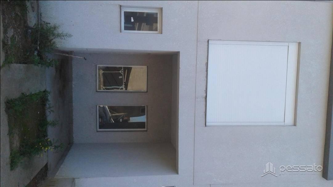 sobrado 2 dormitórios em Gravataí, no bairro Auxiliadora