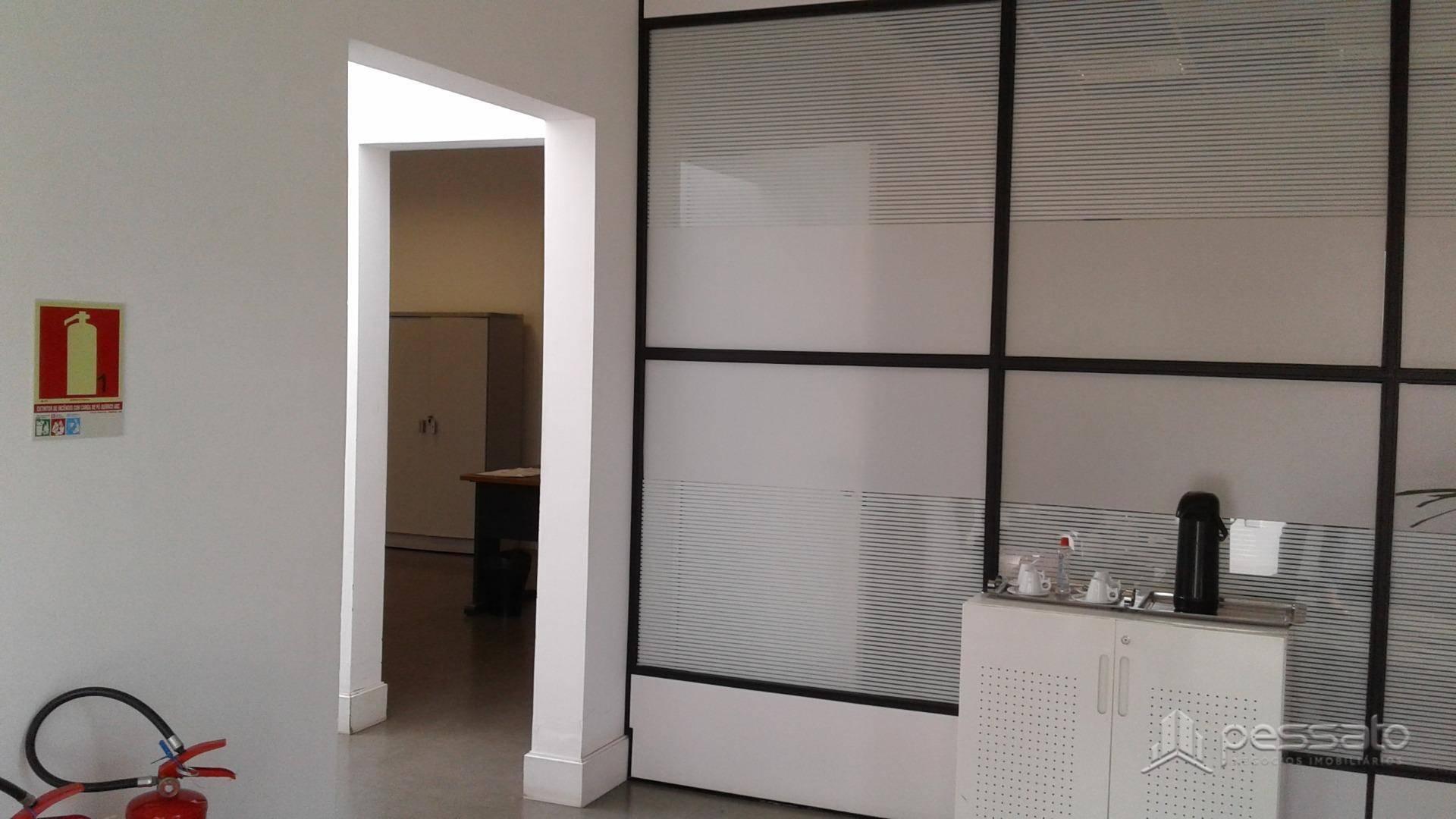 pavilhão 0 dormitórios em Gravataí, no bairro Barnabé